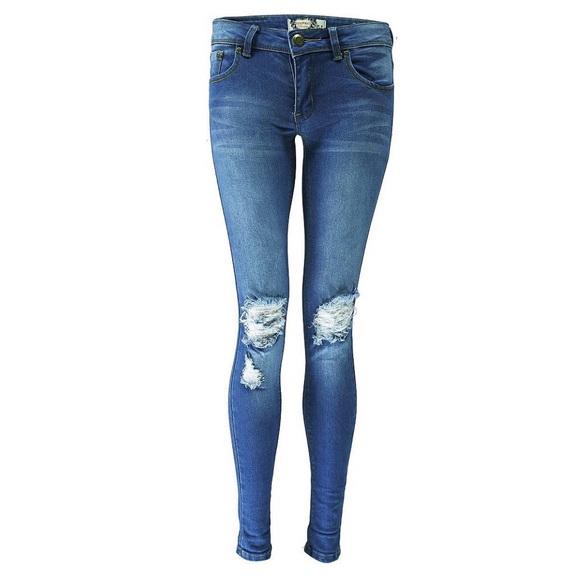 3de6cd245e Boohoo - Loren Distressed Rip Knee Skinny Jeans